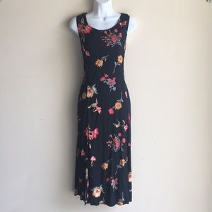 Dresses & Skirts - Vintage floral summer sleeveless dress